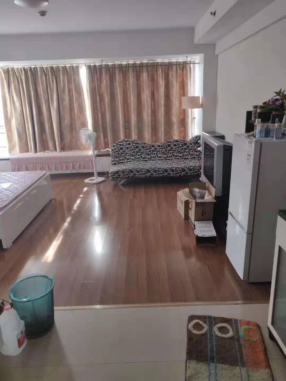 急賣:加州陽光精裝公寓,50年產權,單價只需14000,5號地鐵口