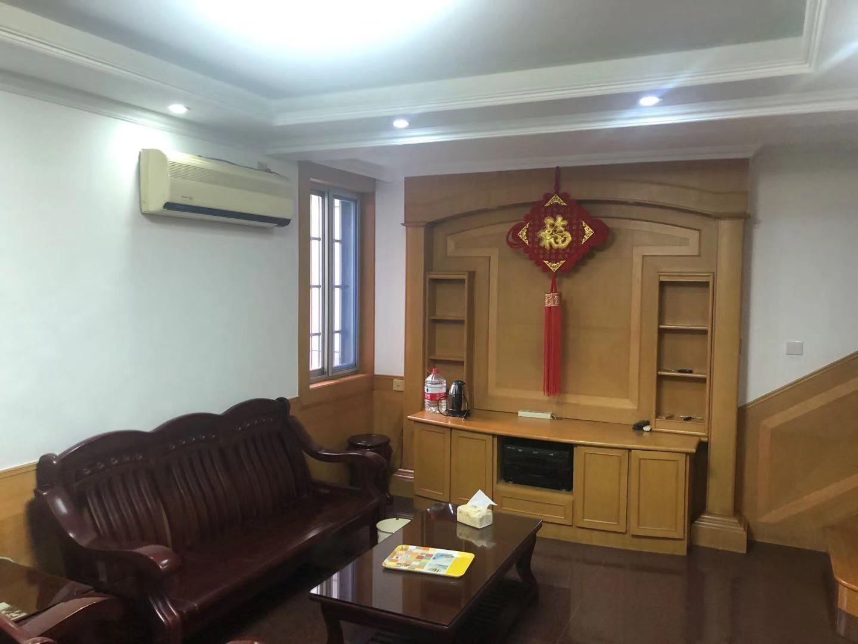 东门公寓 小户型 阁楼带露台 无双税  可做4房