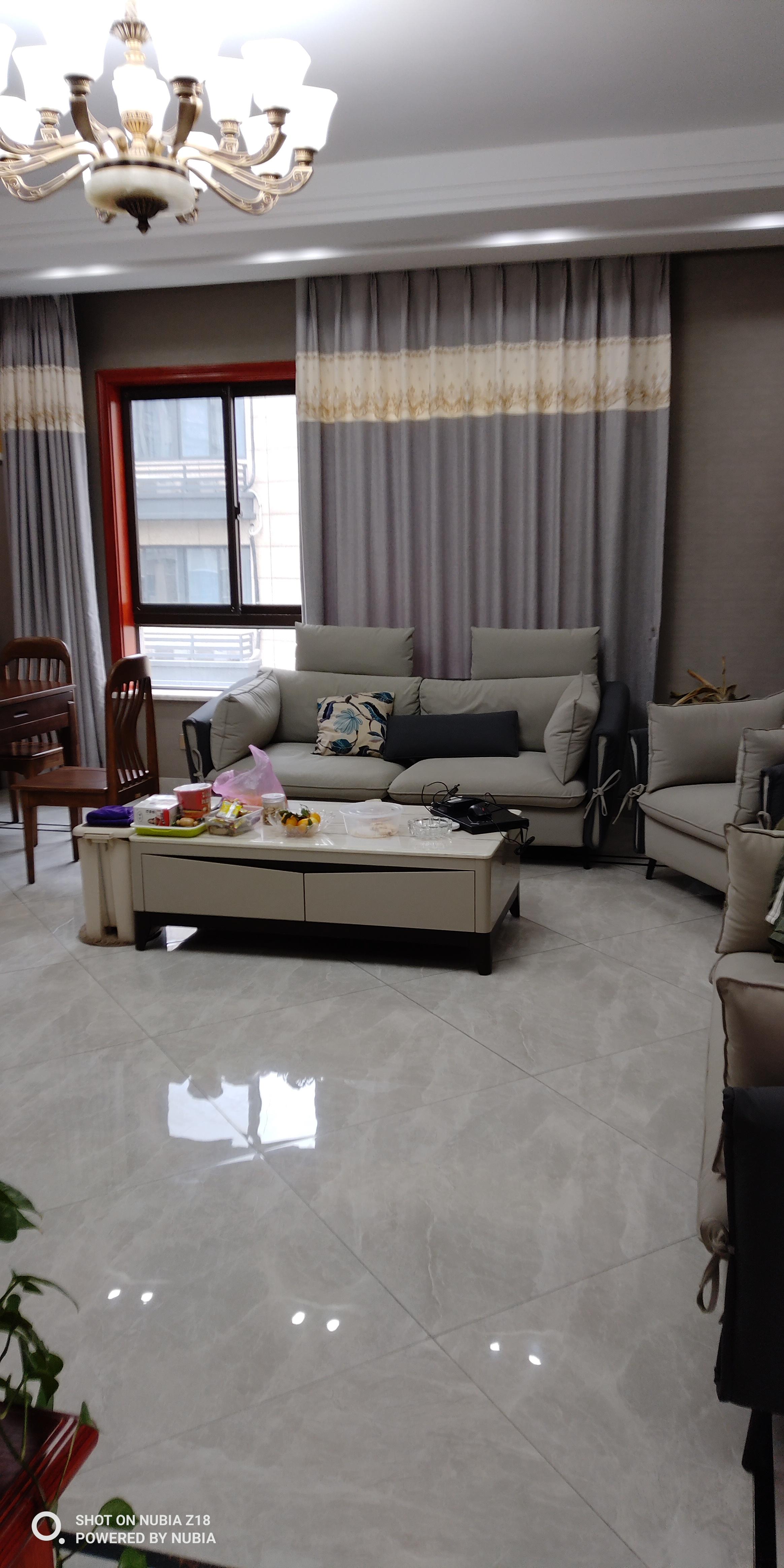 临浦嘉顺中心,装修好一年的房子出售,位置好,小区环境好,交通方便