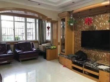 出售:东门公寓2楼141方325万,满5唯一。