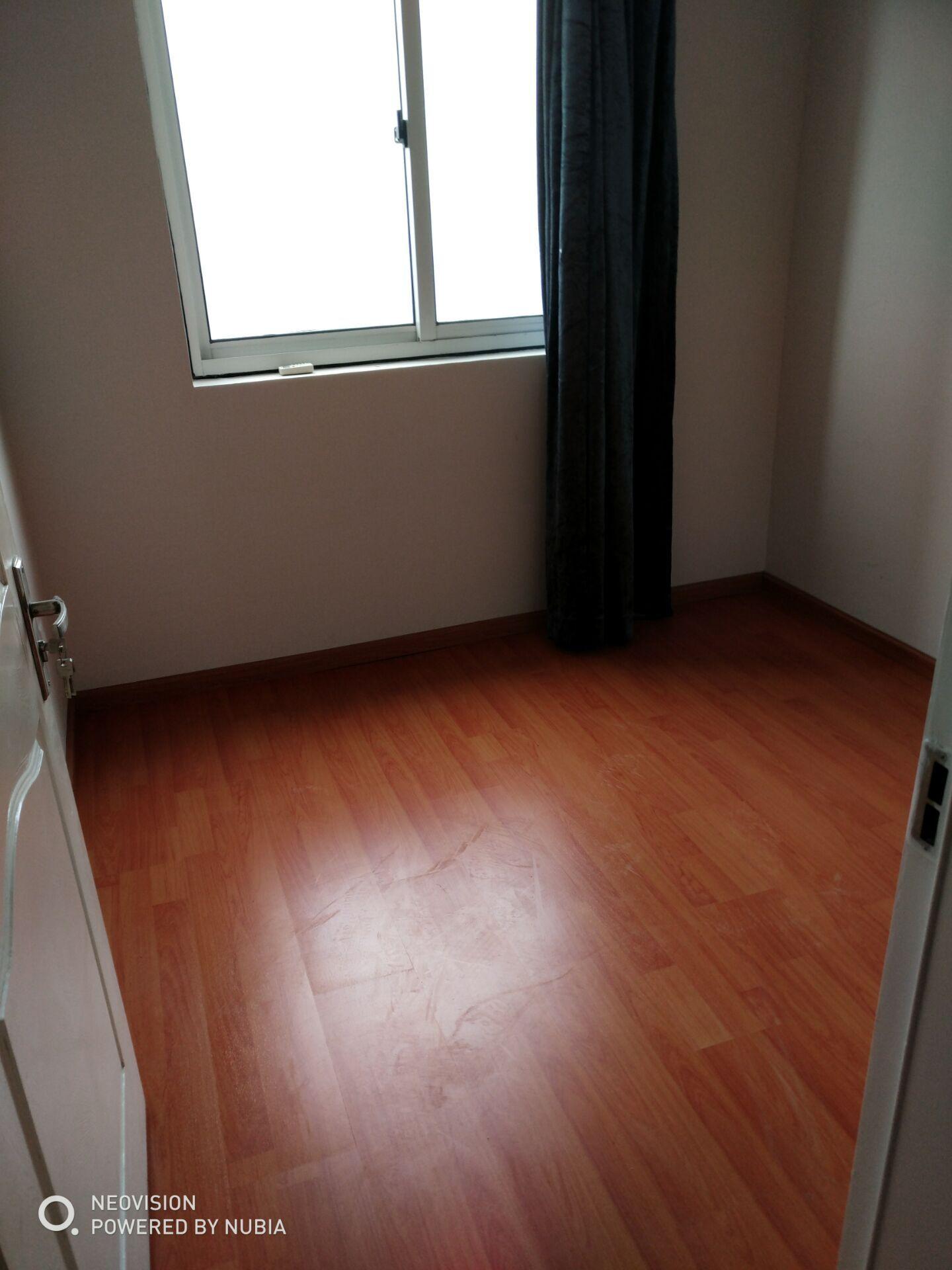 浦阳浦江苑简单装修的房子出售,无增值税,房东急卖