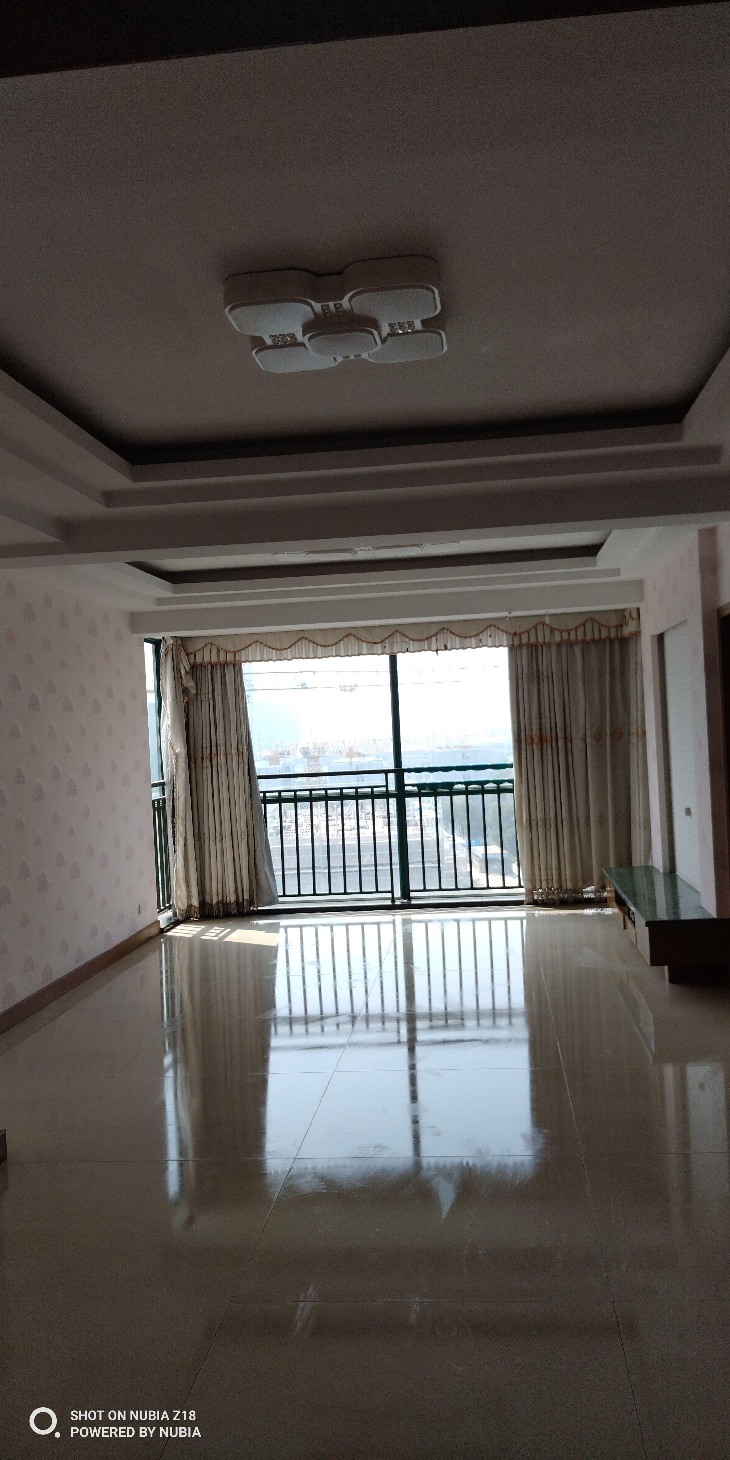 萧山银泰城前面,新惠名苑精装修3房2厅2卫出售,无增值税