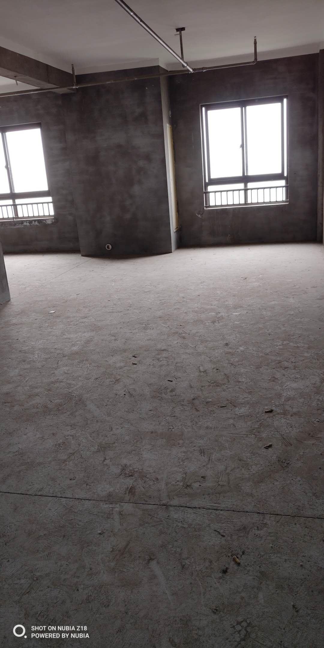 临浦嘉顺中心地段、毛坯、电梯房、楼层户型佳、性价比高、诚售