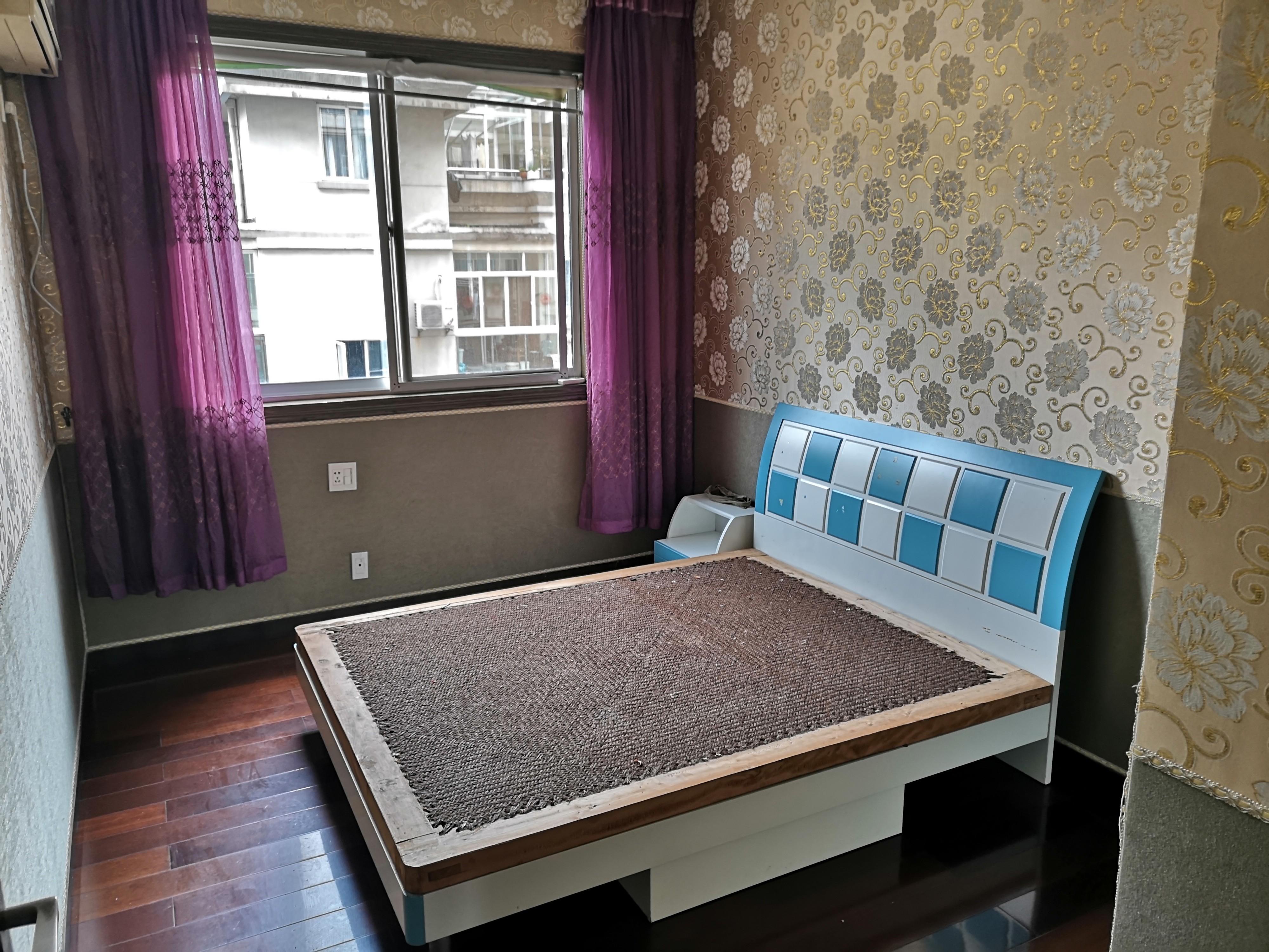 回澜南苑 中间楼层 房东自住装修 看房方便 价格可谈配套齐全