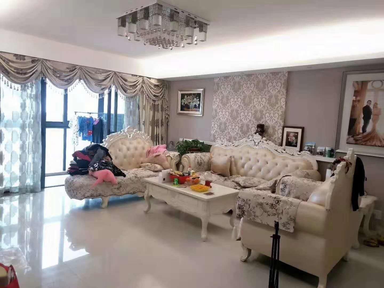 豪华 装修半岛花园房子急售,单价仅需25000一平