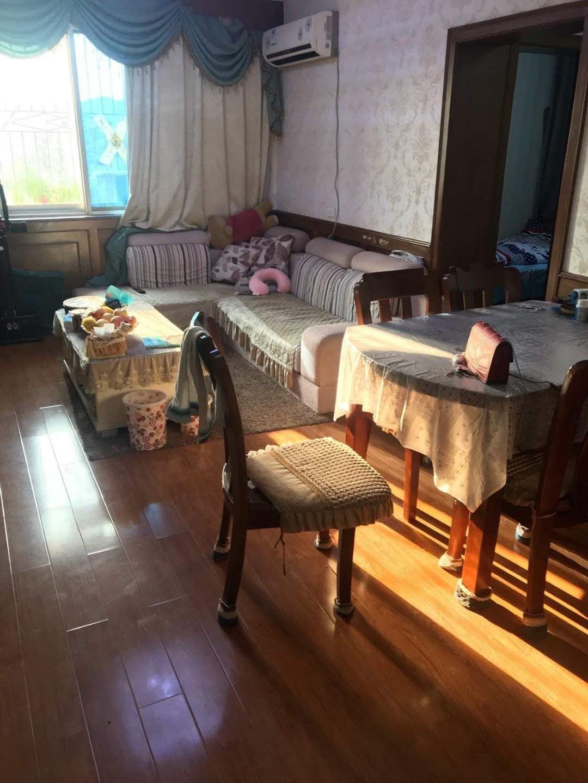 出售南江公寓地铁2号线临近亚运会分会场三室两厅可读书