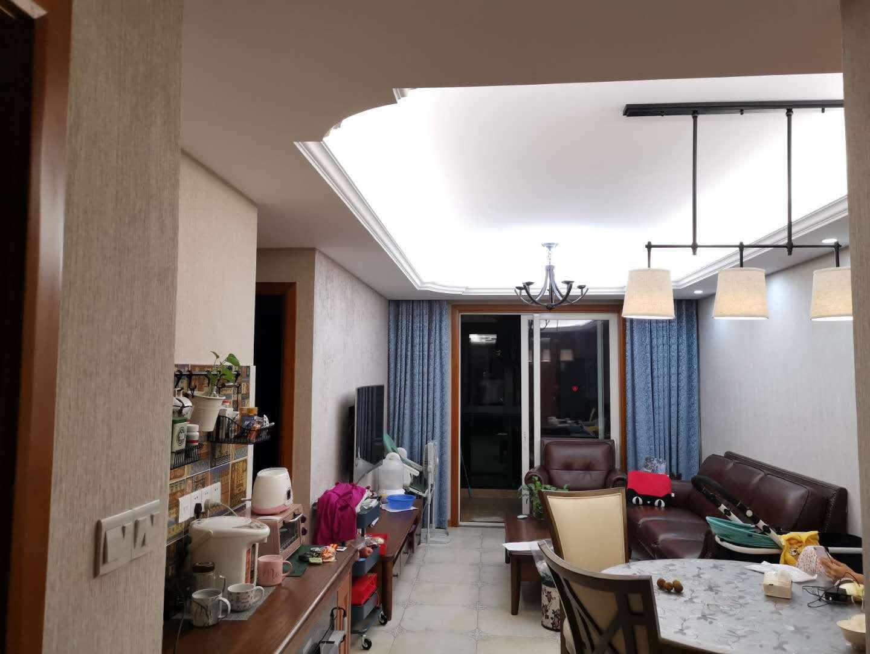 二室二廳,南北通透,結婚裝修,滿5年唯一一套,房東急售!