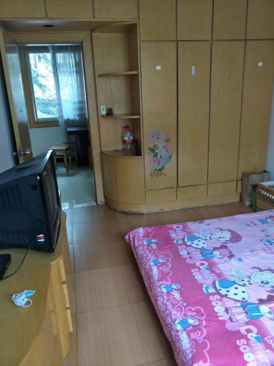 高橋學區房、二室一廳、滿2年、價格實惠。