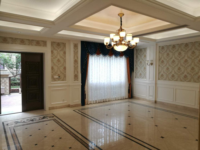 中新御景湾排屋,产证304方拓展300方实用面积600方,-2层至3层共5层,户型经过私人定制更合理,现代豪华精装修,内