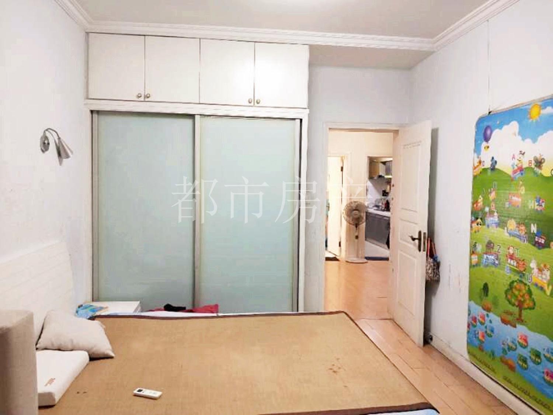 婚房装修5年,2房2厅,满5年,图片实拍,位置好,學区可用