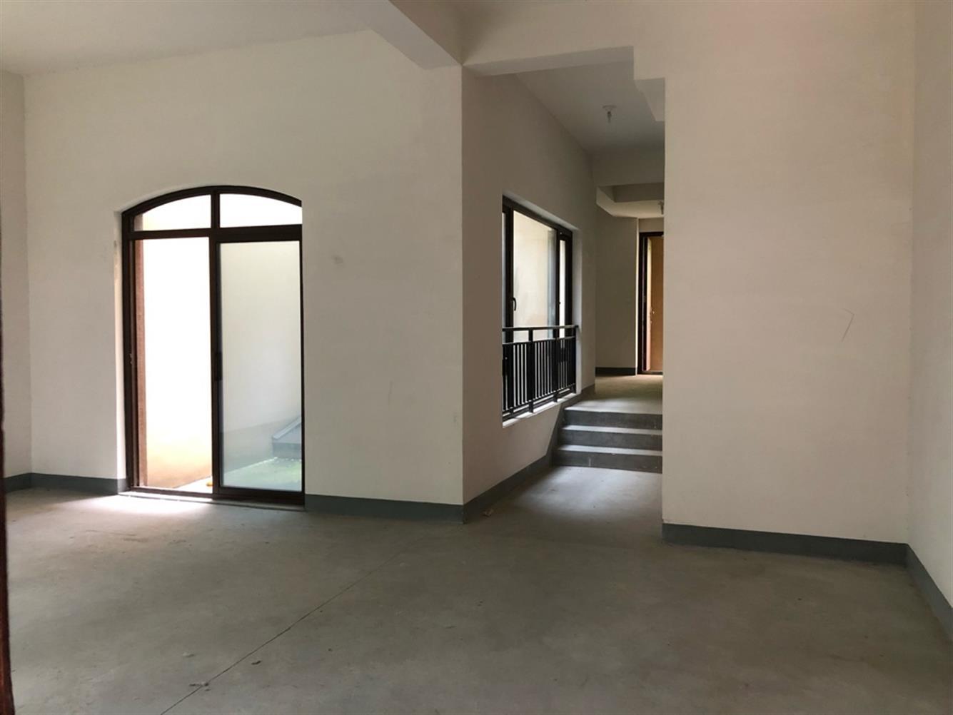 钱江世纪城现房排屋别墅有天有地使用面积500一费