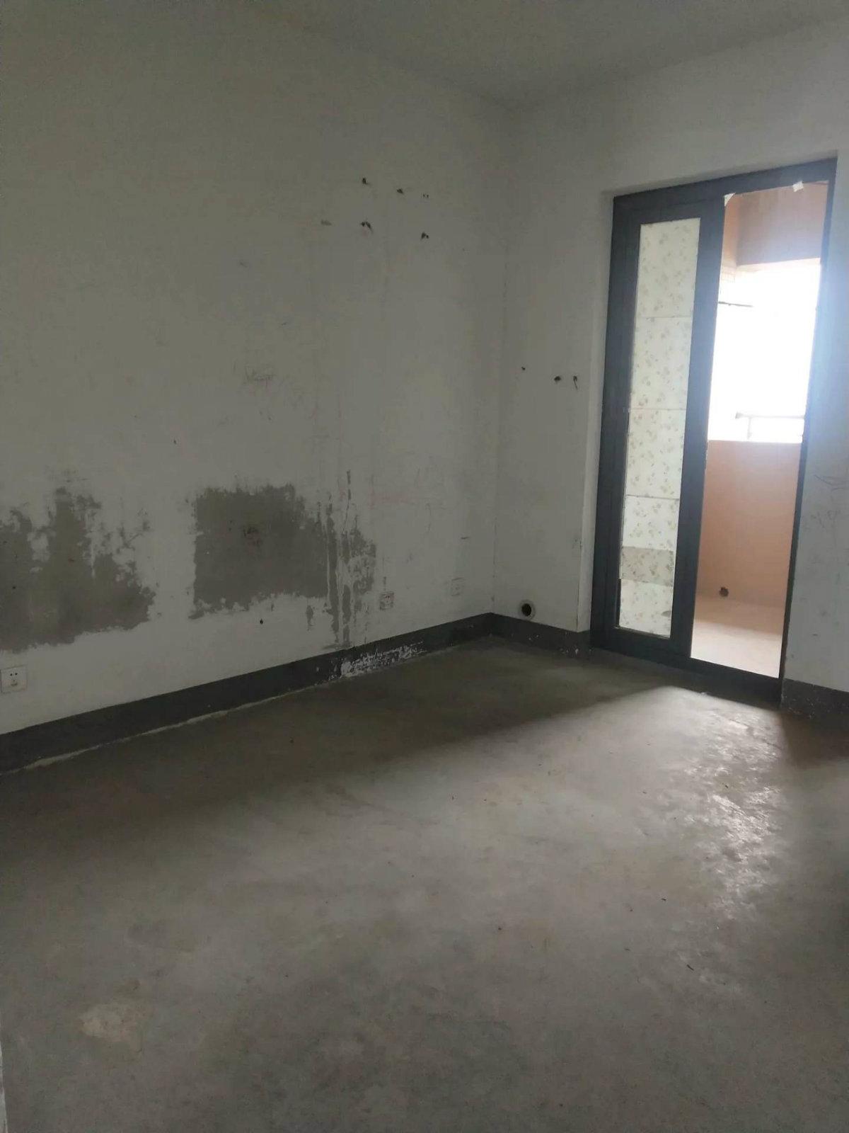 顺发康庄亚运村板块一步奥体满两年大三房看房方便,房东诚心出售