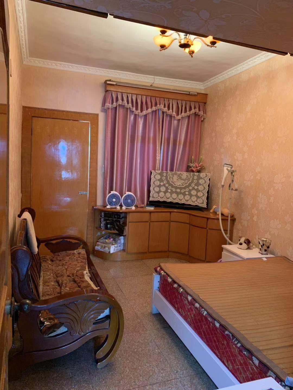 臨浦鎮小旁邊,精裝修房子出售,3房一廳一廚一衛只賣98萬