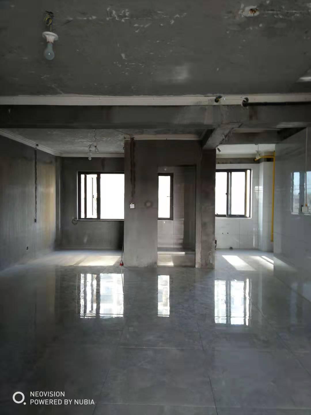 臨浦清和園135方送閣樓80方,露臺30方的房子出售,拎包入住