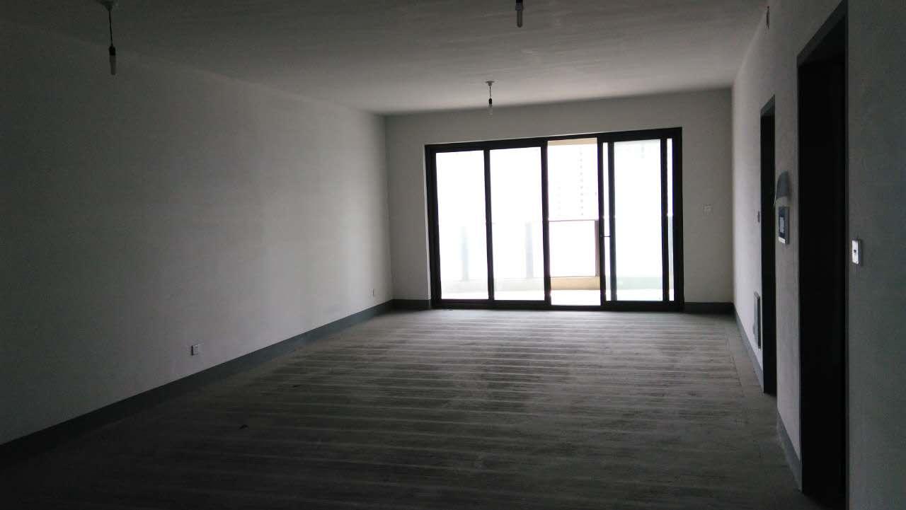 東方一品毛坯房235方五室二廳二衛四陽臺、車位另算,有鑰匙
