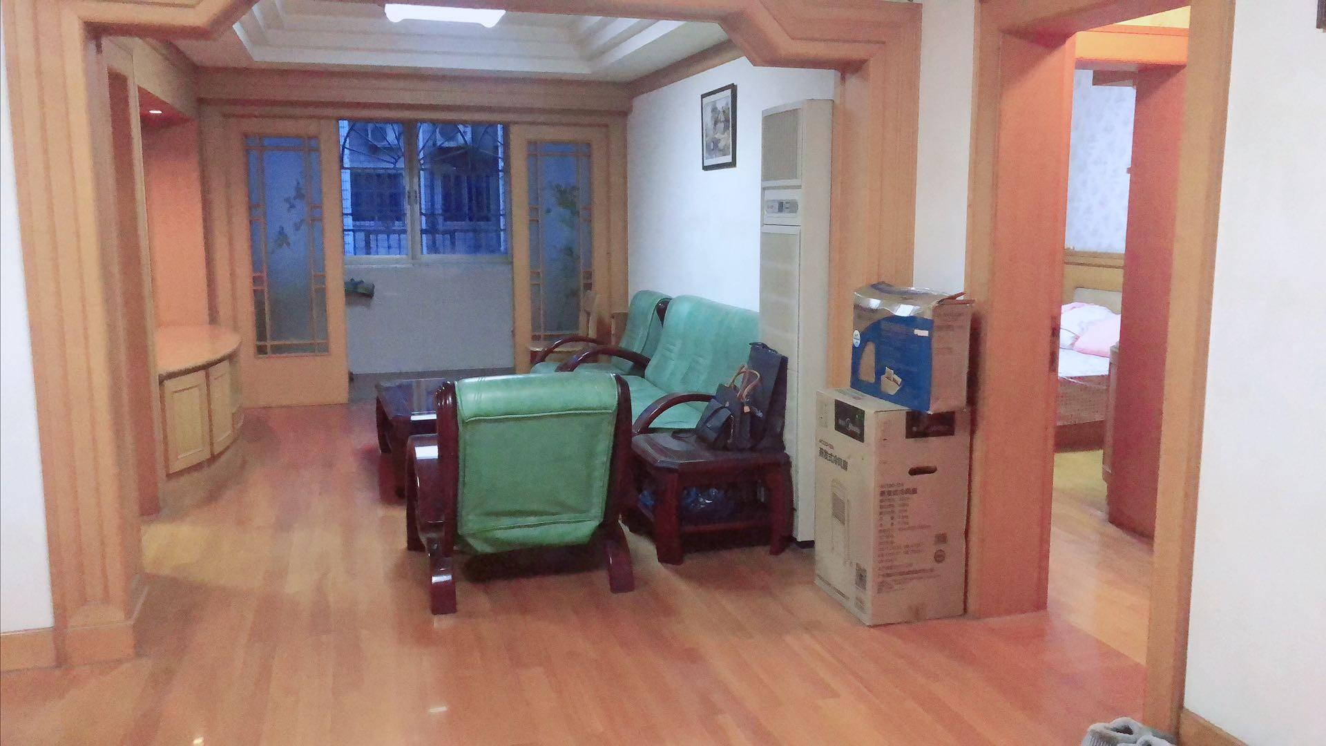 江寺公園邊  黃金樓層 3房2廳2衛  裝修清爽 看房方便