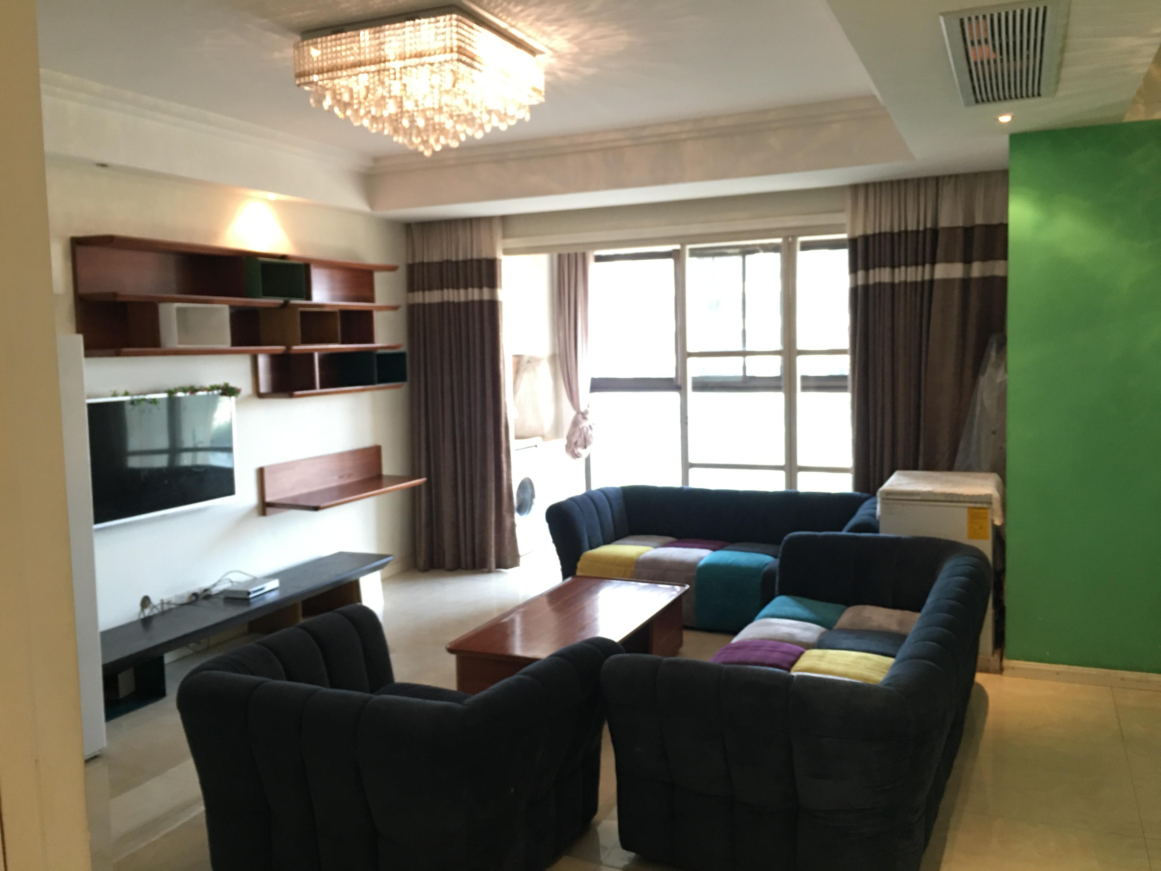 出租:大成名座140方三室二厅二卫精装修,建设三路雷迪森酒店边上