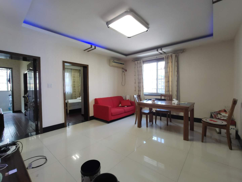 高桥小区,3室1厅,西边套,精装修,楼层好,学区可用