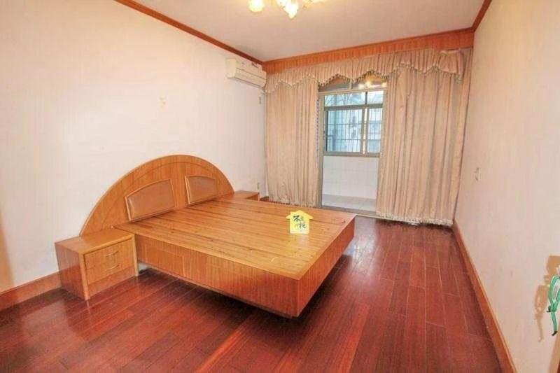 小面积 低总价 好楼层,南北通透 自住装修 66方 诚售价140W