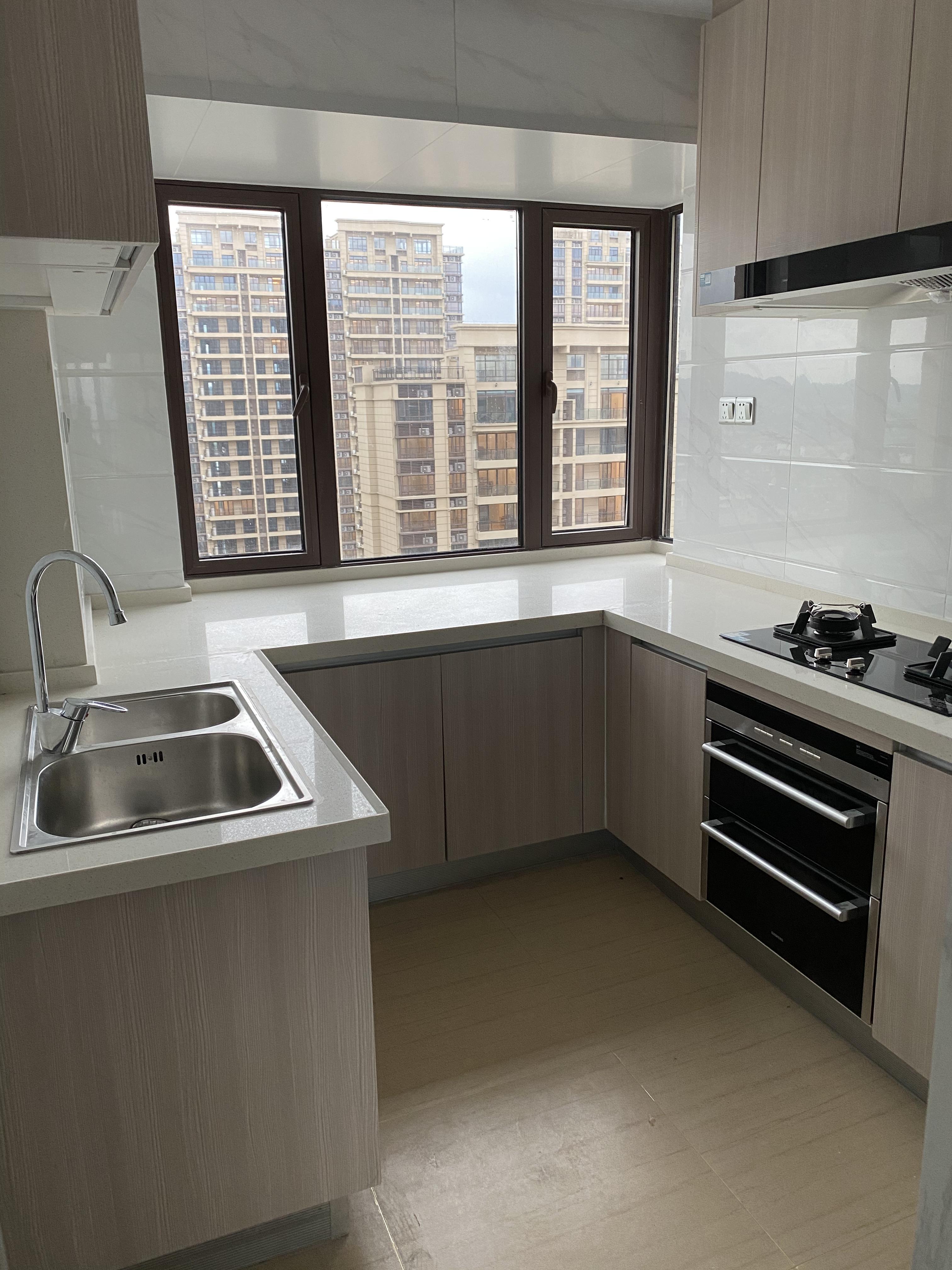 临浦碧桂园精装修房子出租,138方大户型4房2厅2卫,楼层好