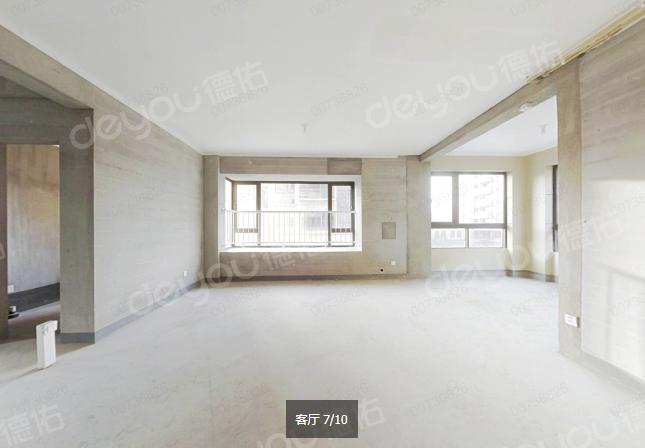 新街新城小高层地铁旁,得房率高满两年诚心出售!