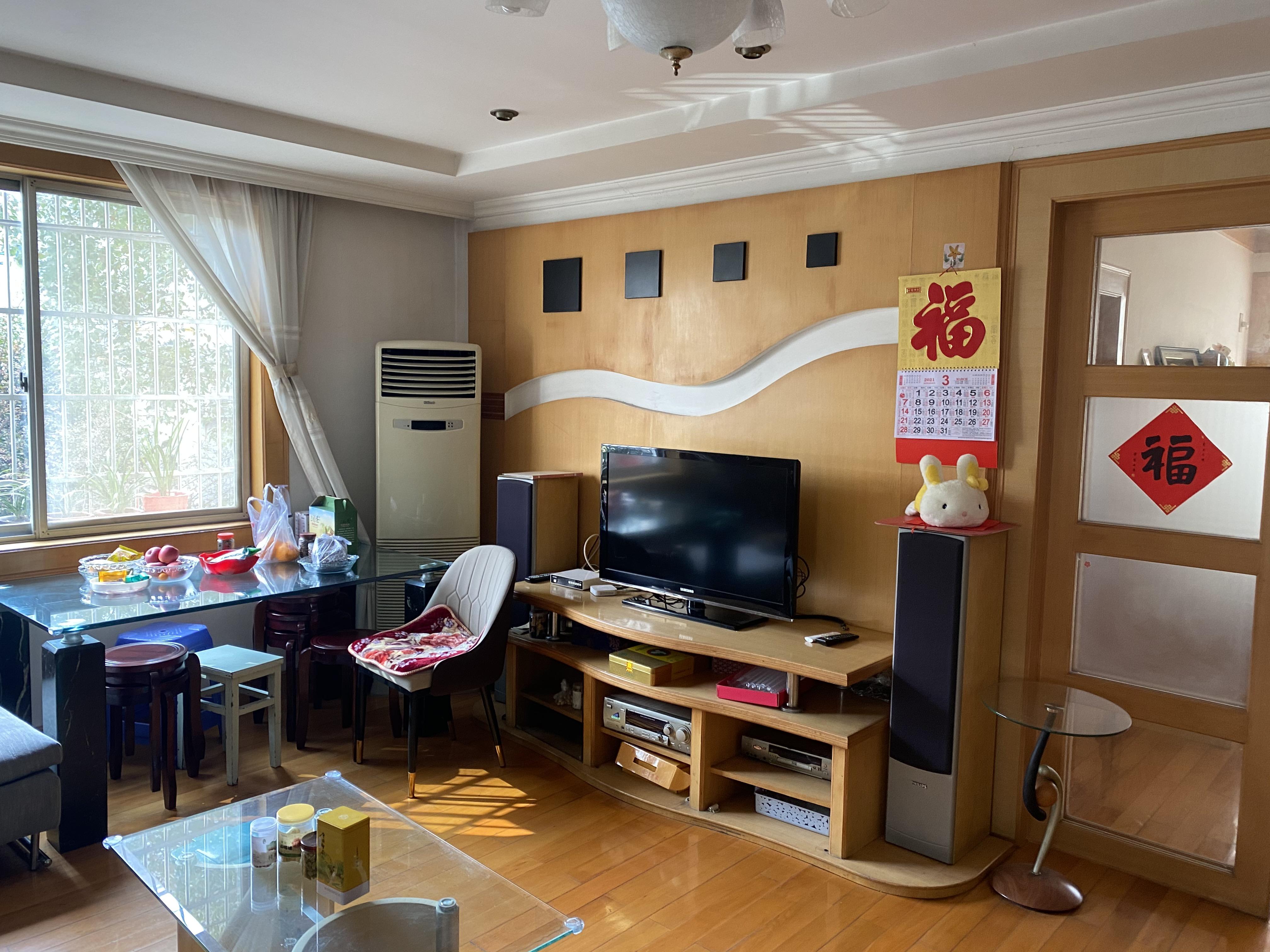 藕湖浜 三阳台 2000年房龄 边套装修好