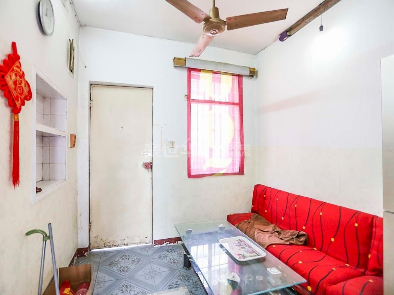 新上崇化小區 滿5年 裝修好 地鐵口 看房方便 價格真 急售