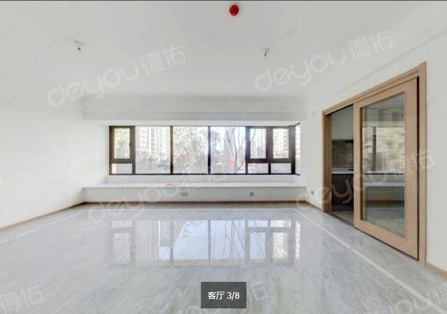 地铁口精装修方正,品质小区,次新房,户型方正,边套采光好
