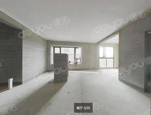 近7号线,带电梯小洋房,户型方正,含车位,看房方便